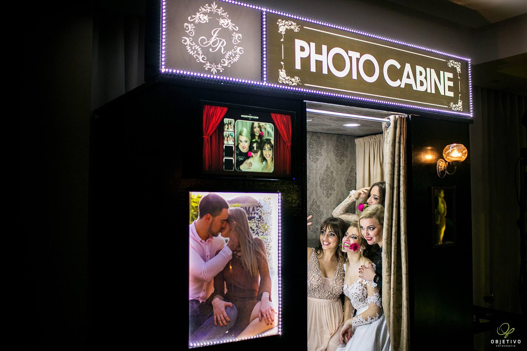 Cabine de fotos em ação no casamento da Joana e do Rodrigo